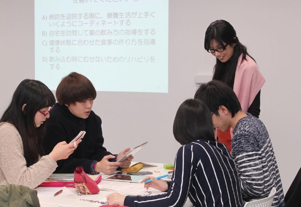 写真:保健医療サービスの授業の様子