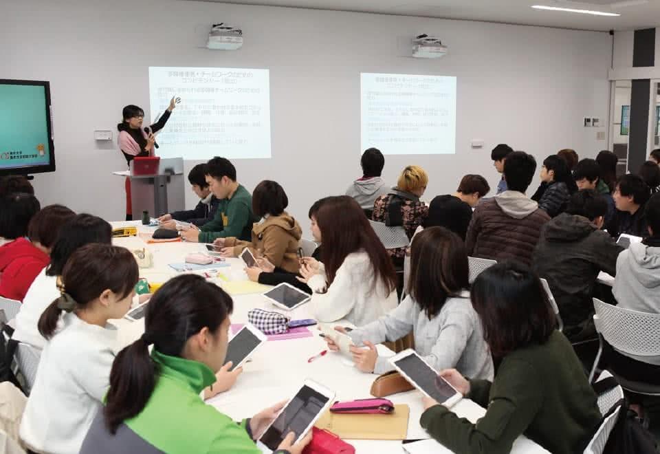 写真:福祉についての授業の様子