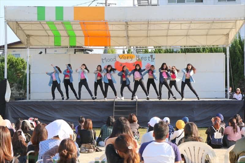 写真:ダンスの様子