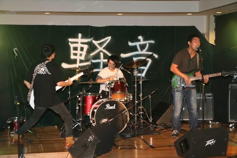 写真:ライブの様子