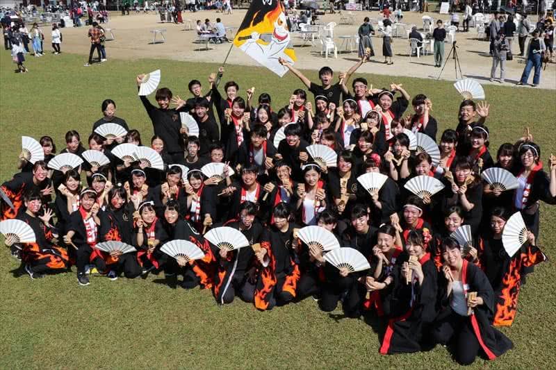 写真:高知県人会と岡山県人会の集合写真