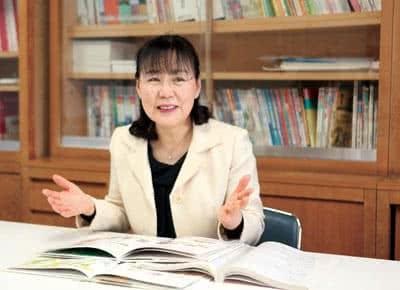 写真:森本恭子准教授