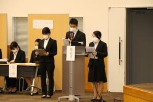 発表する学生の様子