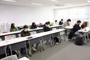 オンライン実習を受ける学生の様子