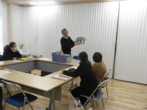 講演をする松岡先生の様子